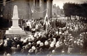 CPA - La Quinte (72) - Inauguration du Monument aux Morts