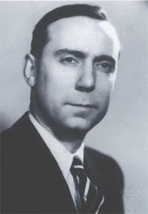 Michel DEBRÉ, alors Sénateur, 1955 | Assemblée Nationale
