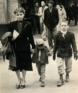 Huguette, Fabrice et Lionel à Casablanca, mars 1953