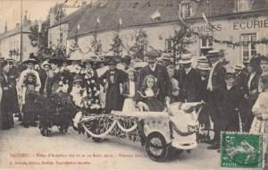 CPA - Saulieu (Côte-d'Or) - Fêtes d'Aviation des 11 et 12 Août 1912 - Voiture fleurie