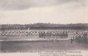 CPA - Orléans (Loiret) - Concours National de Gymnastique - 30 Juin et 1er Juillet 1912 - À l'Ile Arrault - Mouvements d'ensemble