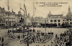 CPA - Orléans (Loiret) - Concours National de Gymnastique - 30 Juin et 1er Juillet 1912 - Le Martroi - Vue d'Ensemble du Défilé