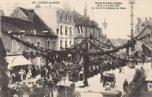 CPA - Luxeuil-les-Bains (Haute-Sane) - Souvenir du Festival de Musique des 3, 4 et 5 Aot 1912 - La rue et le faubourg du Chne