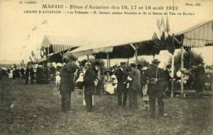 CPA - Mâcon (Saône-et-Loire) - Fêtes d'Aviation des 16, 17 et 18 août 1912 - Champ d'Aviation - Les Tribunes