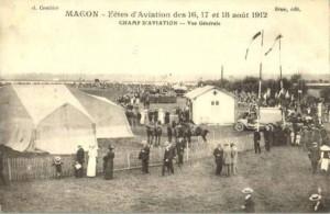 CPA - Mâcon (Saône-et-Loire) - Fêtes d'Aviation des 16, 17 et 18 août 1912 - Champ d'Aviation - Vue Générale