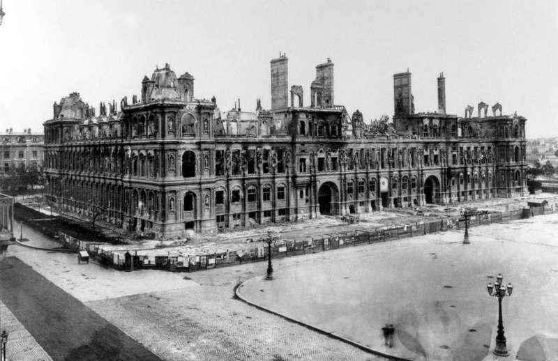 Incendie de l'Hôtel de Ville de Paris pendant la Commune, mai 1781