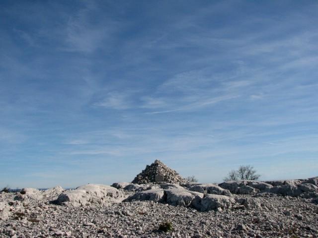 Pyramide de Cassini - Grand Cap, - Le Revest-les-Eaux (Var)