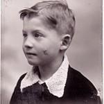 Luc MONTAGNIER (né en 1932 à Chabris)