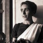 Homai Vyarawall,  connue également sous le pseudonyme de Dalda 13, née le 9 décembre 1913 à Navsari, Inde, photo de 1948 - première femme photojournaliste en Inde