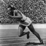 James Cleveland Owens dit Jesse Owens, né le 12 septembre 1913 à Oakville - athlète noir américain quadruple médaillé d'or lors des Jeux olympiques d'été de 1936 à Berlin
