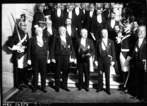 18 février 1913 : transmission des pouvoirs entre les présidents Fallières et Poincaré - Groupe à l'Hôtel de Ville