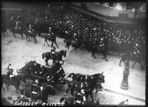 18 février 1913 : transmission des pouvoirs entre les présidents Fallières et Poincaré - Le cortège passe rue de Rivoli