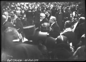 18 février 1913 : transmission des pouvoirs entre les présidents Fallières et Poincaré - Les présidents arrivent à l'Hôtel de Ville