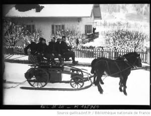 Chamonix : un chariot à roues sur des skis tiré par un cheval, 19 janvier 1913