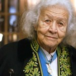 Jacqueline WORMS de ROMILLY, née DAVID (1913-2010, en 2003 en habit vert