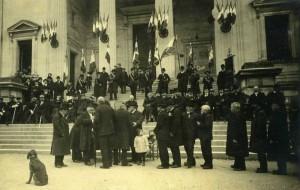 Carte-Photo - Saintes (Charente-Maritime) - mars 1913 - Remise des médailles aux anciens combattants de 1870