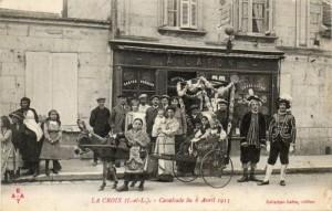 Carte Postale Ancienne - La Croix (Indre-et-Loire) - Cavalcade du 6 Avril 1913