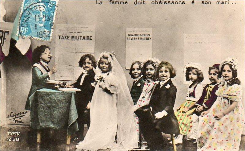 Carte Postale - La femme doit obéissance à son mari