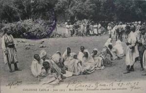 Carte Postale Ancienne - COLONNE TADLA - Juin 1913 - Bou-Brahim - Prisonniers attendant leur exécution