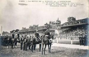 Carte Postale Ancienne - Paris - La revue du 14 juillet 1913 à Longchamp