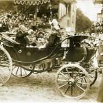 Photo de presse - Arrivée du président Poincaré à la revue du 14 juillet 1913