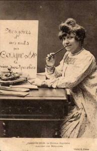Carte Postale Ancienne - Casque d'Or, la Célèbre Gigolette écrivant ses Mémoires