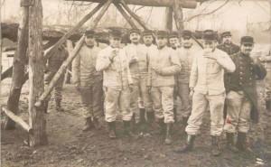 Carte-Photo - soldats - envoyée de Versailles le 31 janvier 1914
