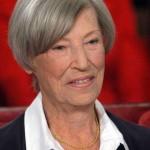 Jeanne Augustine BARTHELEMY de MAUPASSANT (née en 1914, centenaire), arrière-petite-cousine de Guy de Maupassant, deuxième épouse de Louis de FUNÈS
